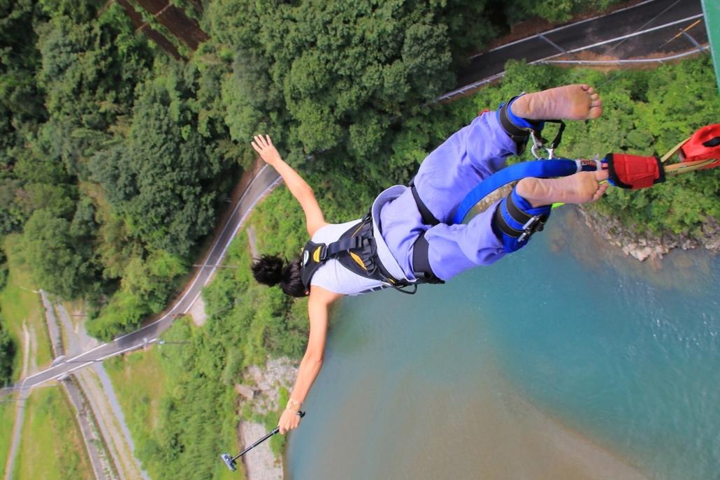 ジャンプ バンジー 【体験談】飛ぶ前に教えて欲しかった2つのこと。 みなかみ猿ヶ京バンジージャンプ